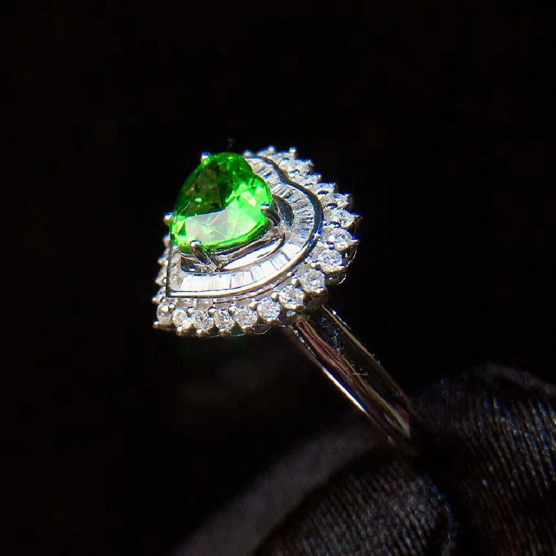 1.01ct Tsavorite Ring in 18kt white Gold - 4