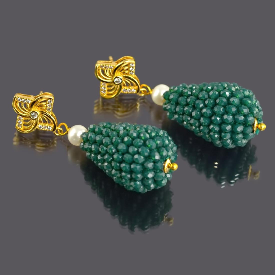 Green Onyx and Pearl Vintage Style Earrings