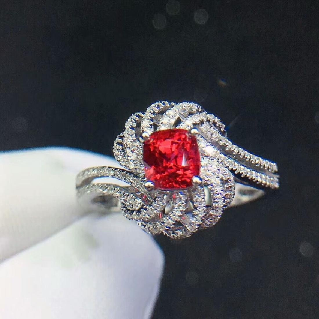 1.1ct SpinelRing in 18kt white Gold