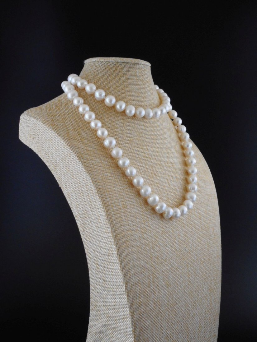 30 inch necklace of white cultured freshwaterpearls - 2