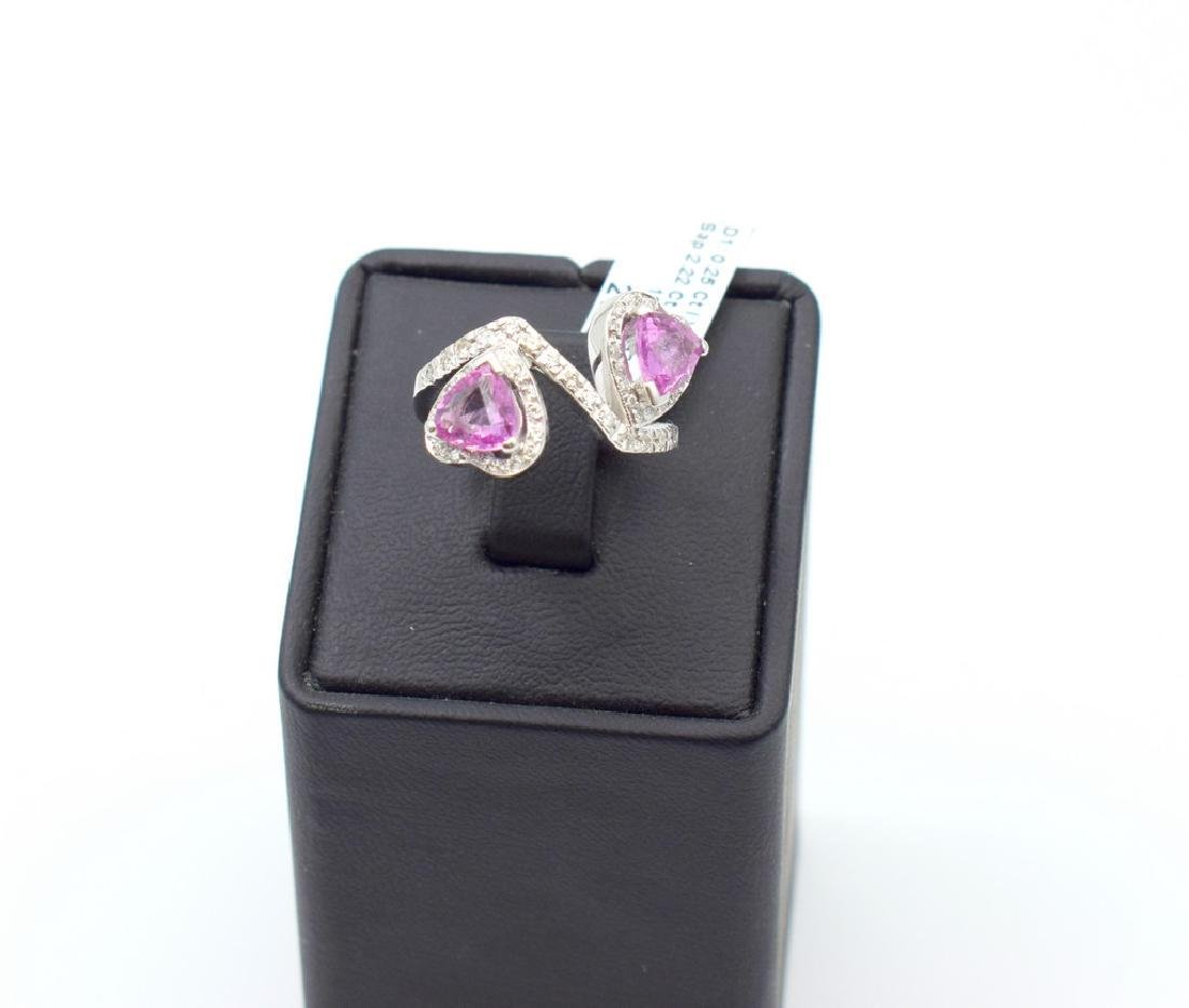 18 carat white gold ring with diamond and pink