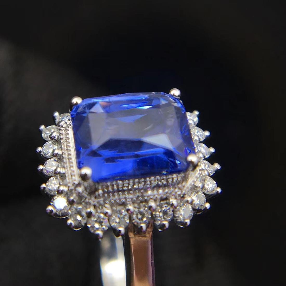 2.52ct Sapphire Ring in 18kt White Gold - 4
