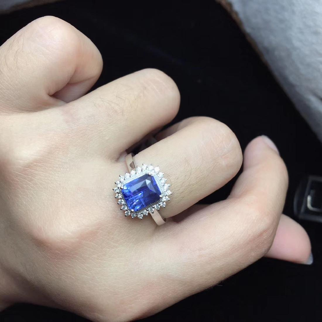 2.52ct Sapphire Ring in 18kt White Gold - 6