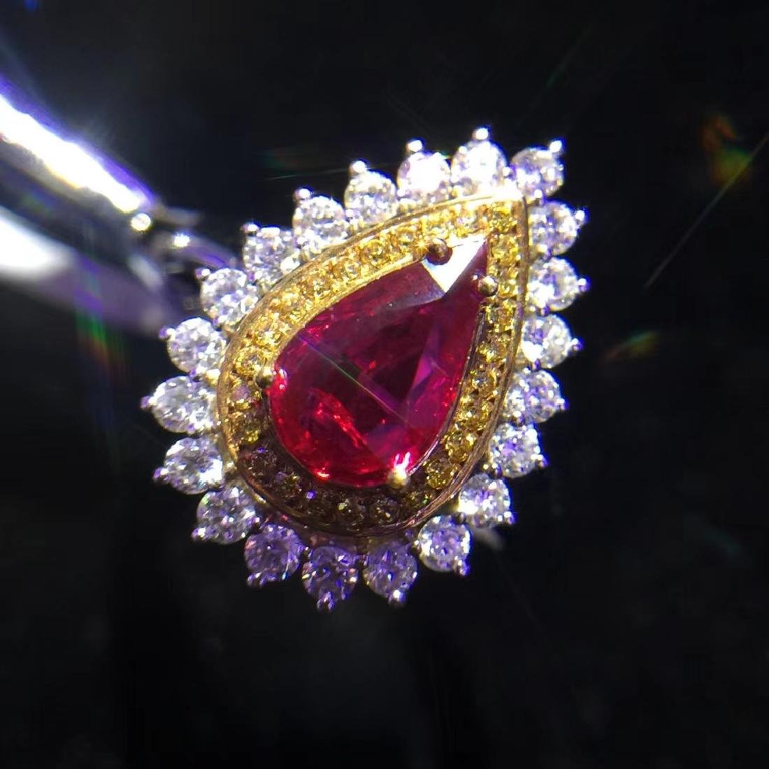 1.08ct Ruby Ring in 18kt White Gold - 3