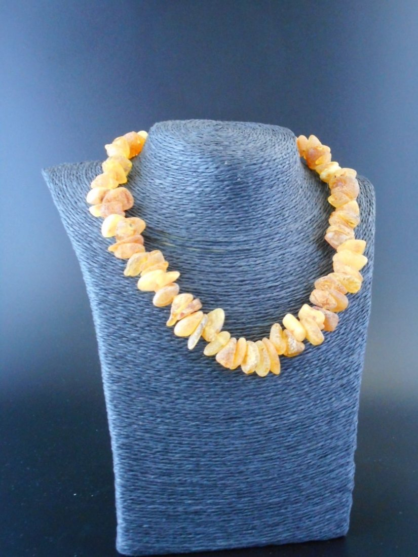 Necklace of baltic amber chunks with 9 ct yg clasp