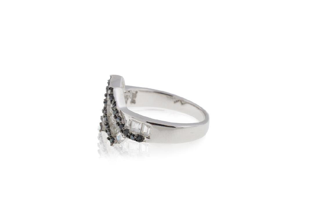 .925 Sterling Silver & Cubic Zirconia Ring - No Reserve - 5