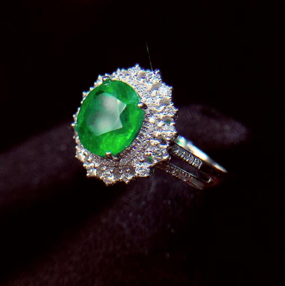2.27ct Emerald Ring in 18kt white Gold - 4