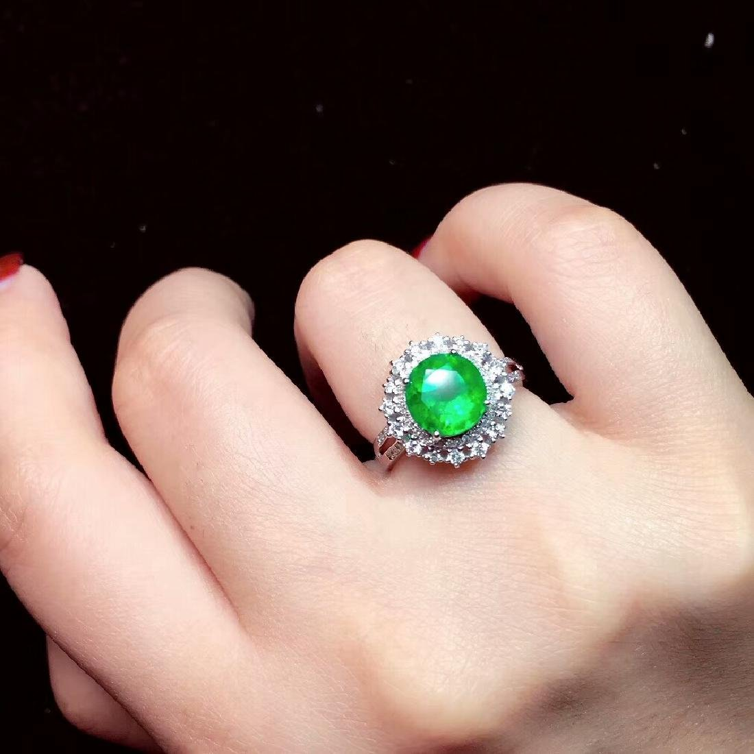 2.27ct Emerald Ring in 18kt white Gold - 5