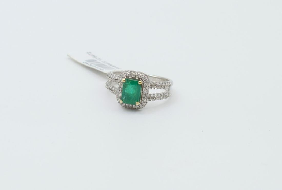 18 carat white gold ring with diamond and emerald stone - 3