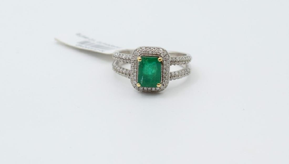 18 carat white gold ring with diamond and emerald stone - 5