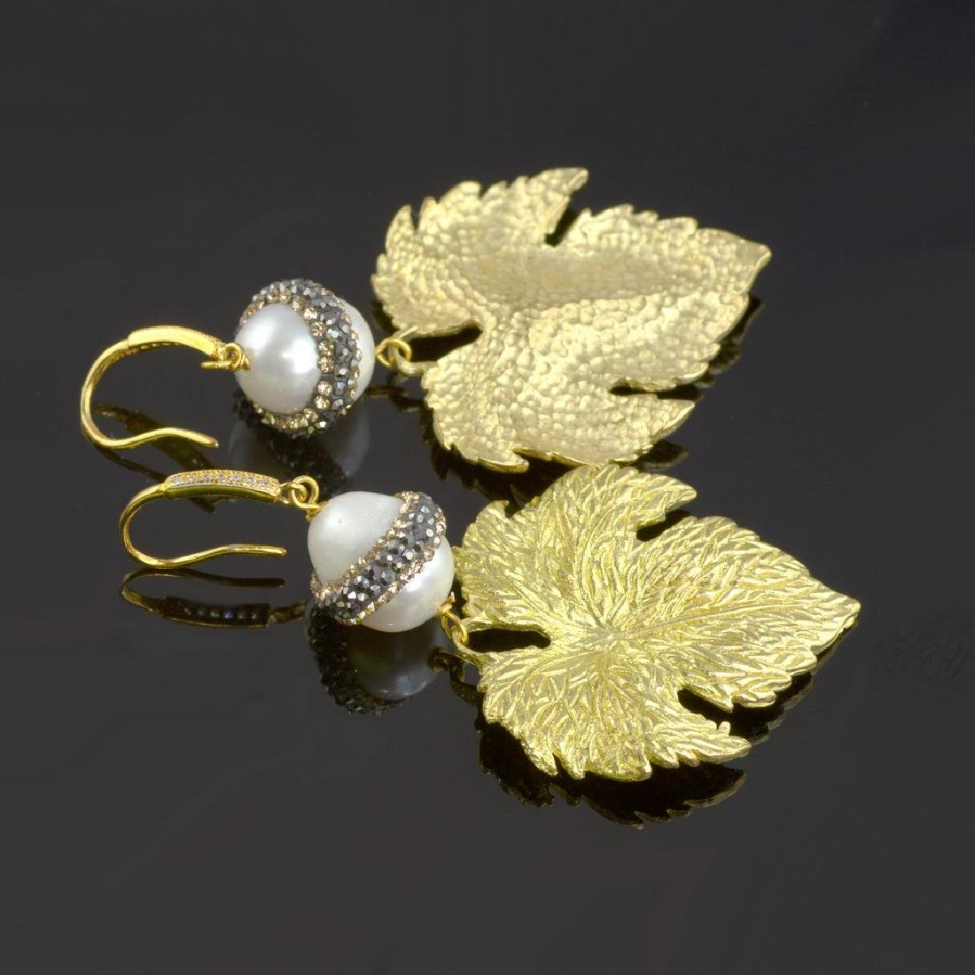 Sparkling Pearl Leaf Earrings - 4