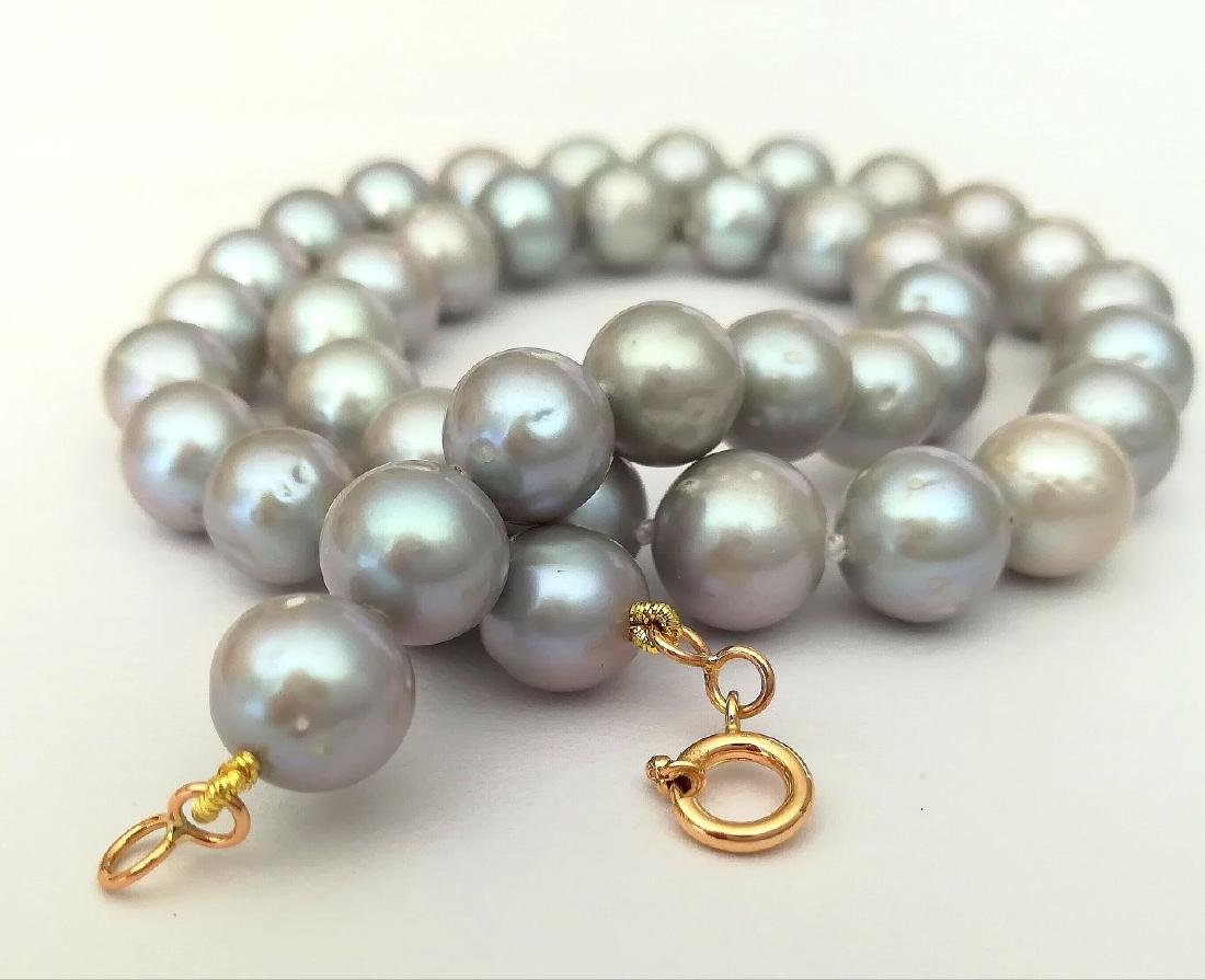 Necklace pearl salted water with gold clasp 19.2 carat