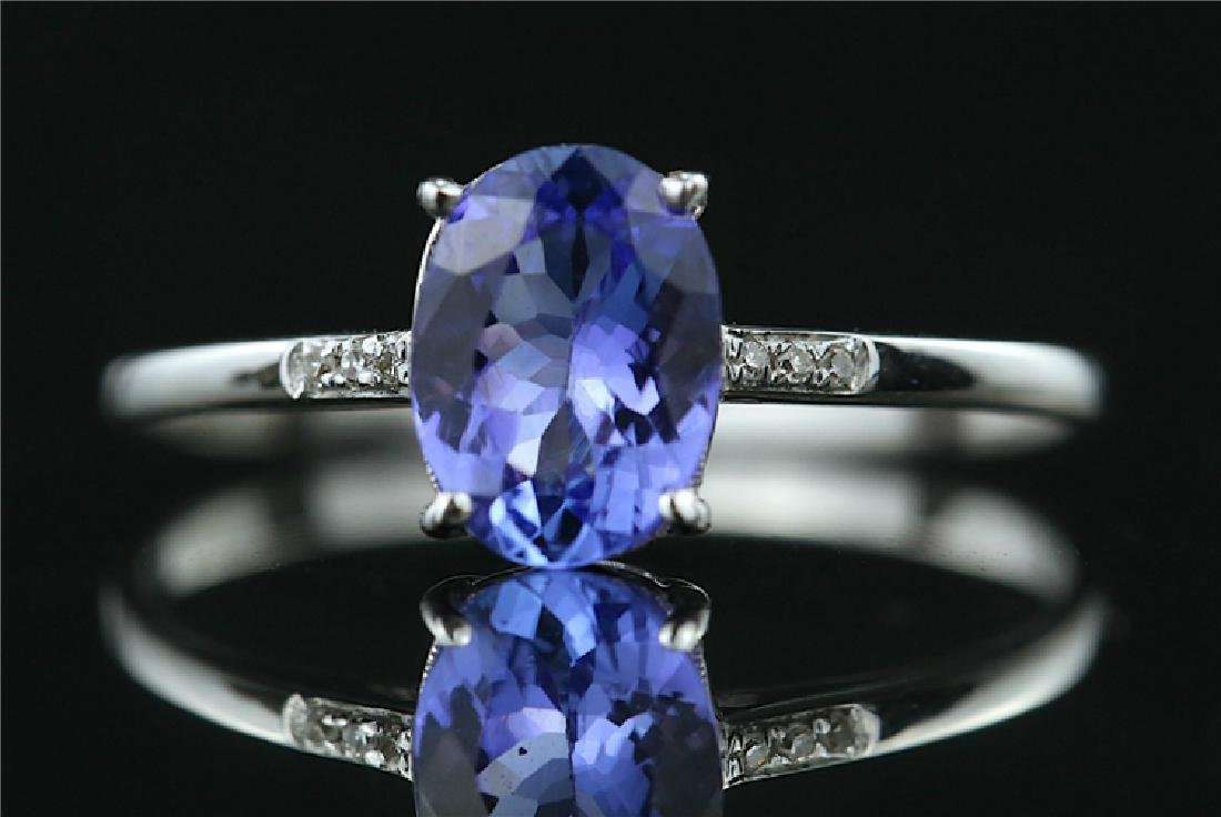 Tanzanite ring with 18k white gold
