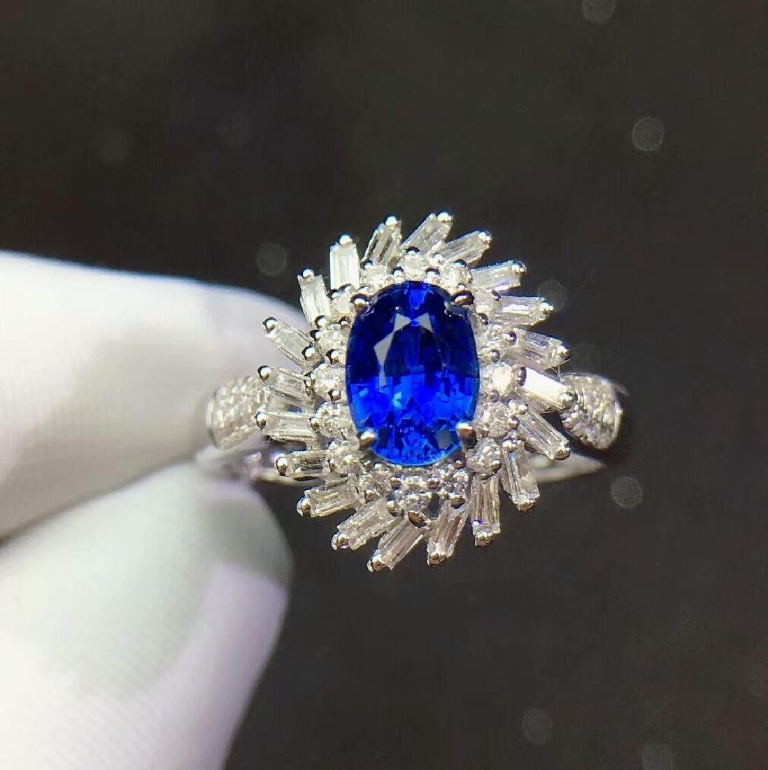 1.3ct Sapphire Ring in 18kt White Gold
