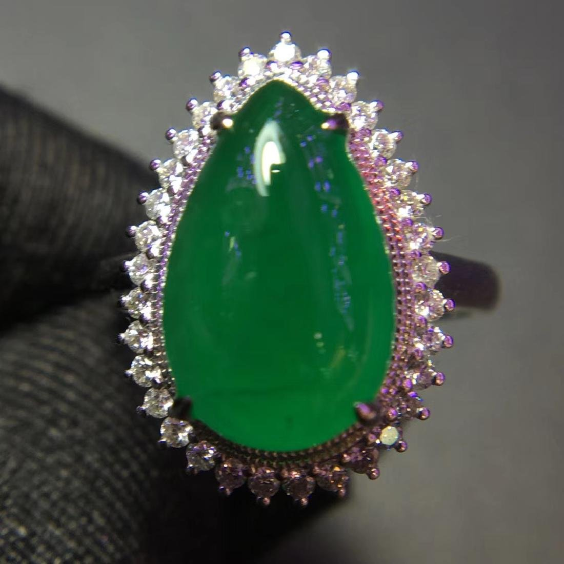 5ct Emerald Ring in 18kt Gold