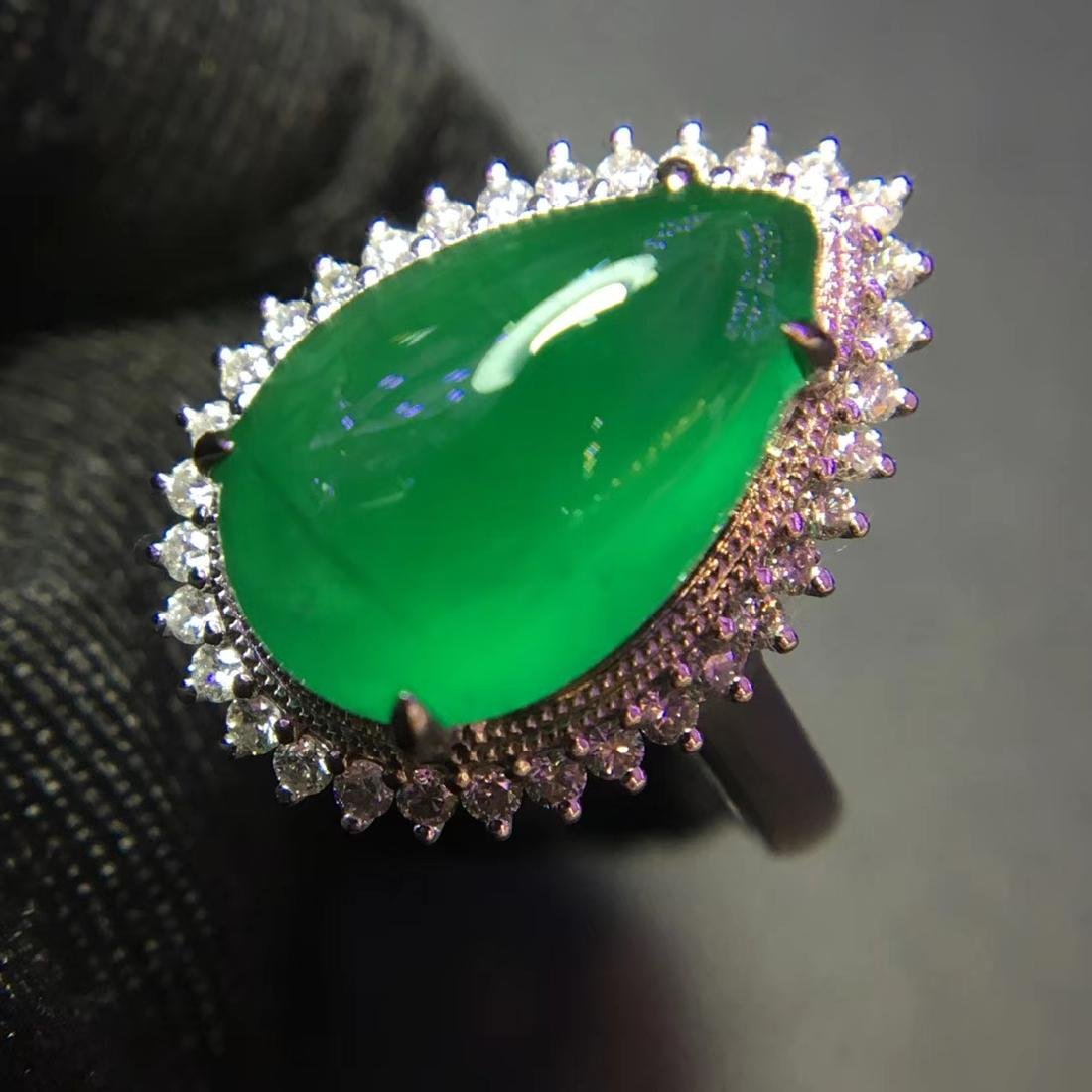 5ct Emerald Ring in 18kt Gold - 2