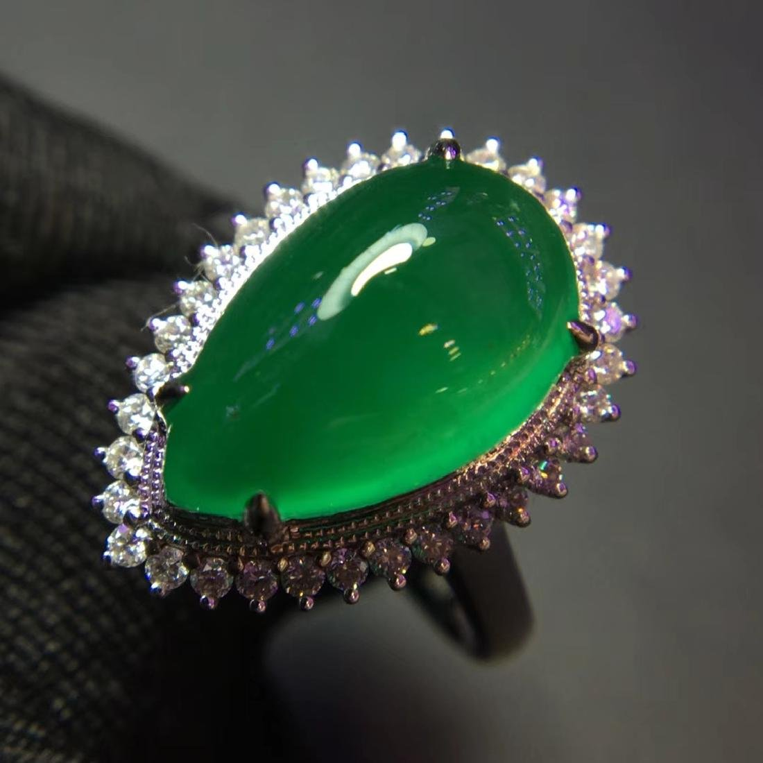 5ct Emerald Ring in 18kt Gold - 3