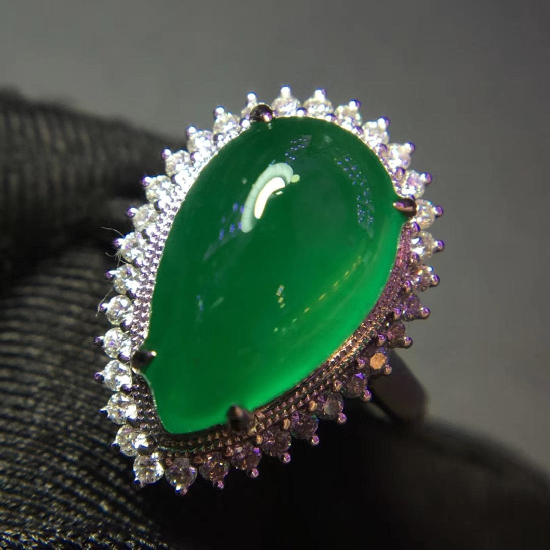 5ct Emerald Ring in 18kt Gold - 4