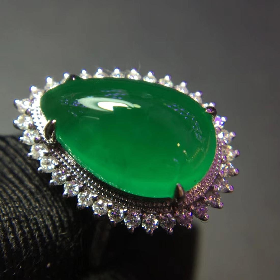 5ct Emerald Ring in 18kt Gold - 5