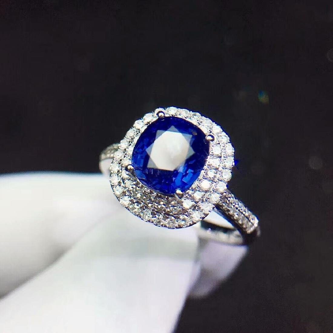 2.21ct Sapphire Ring in 18kt White Gold