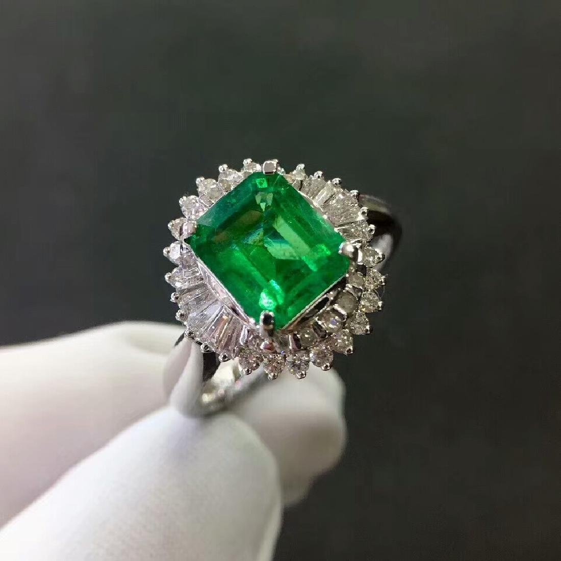 2.7ct Emerald Ring in 18kt white Gold - 2