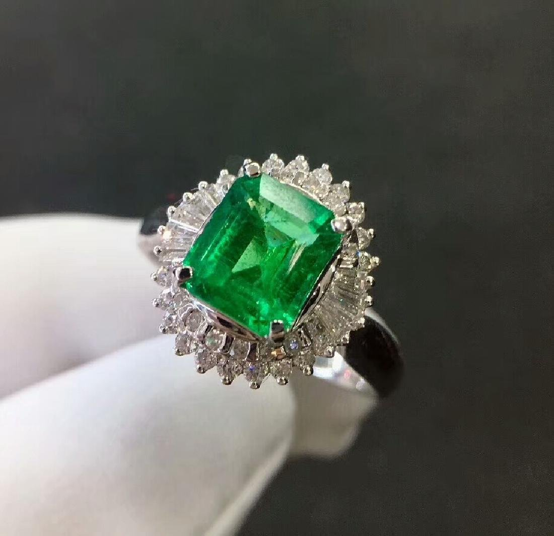 2.7ct Emerald Ring in 18kt white Gold - 3