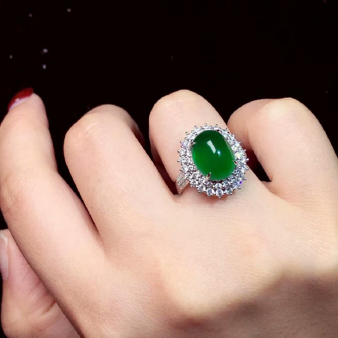 7.6ct Emerald Ring in 18kt White Gold - 6