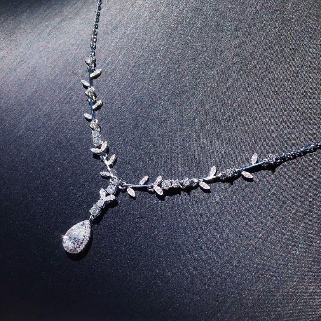 0.5 CTW Diamond & VS Diamond Necklace 18K - 4