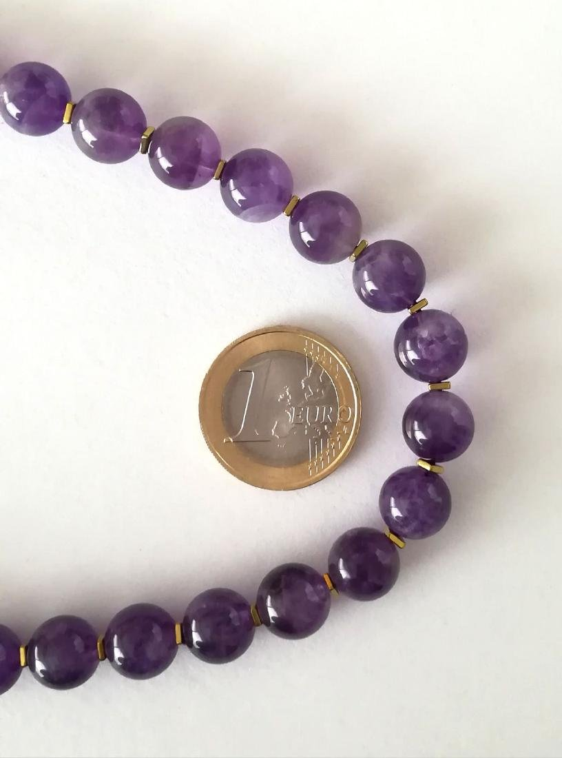 19.2kt – 10mm amethyst necklace – Gold hoop clasp - 2