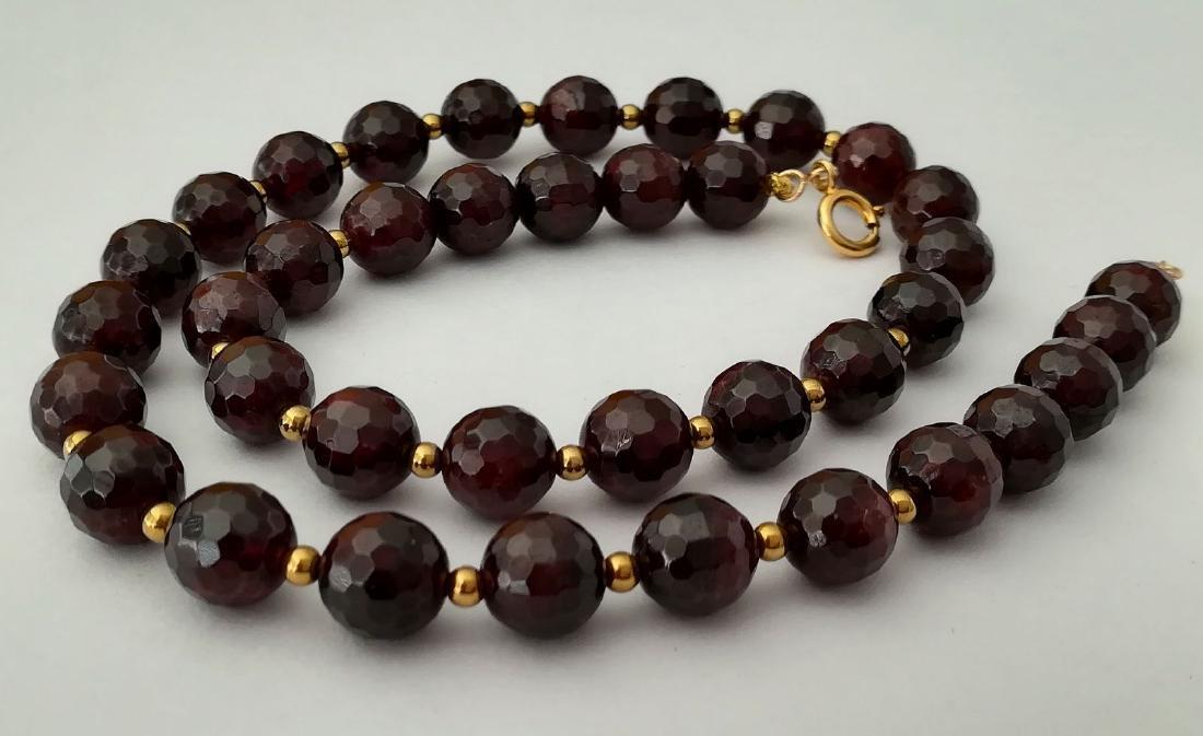 Faceted 9.5 mm garnet necklace – 19.2 kt gold clasp - 3
