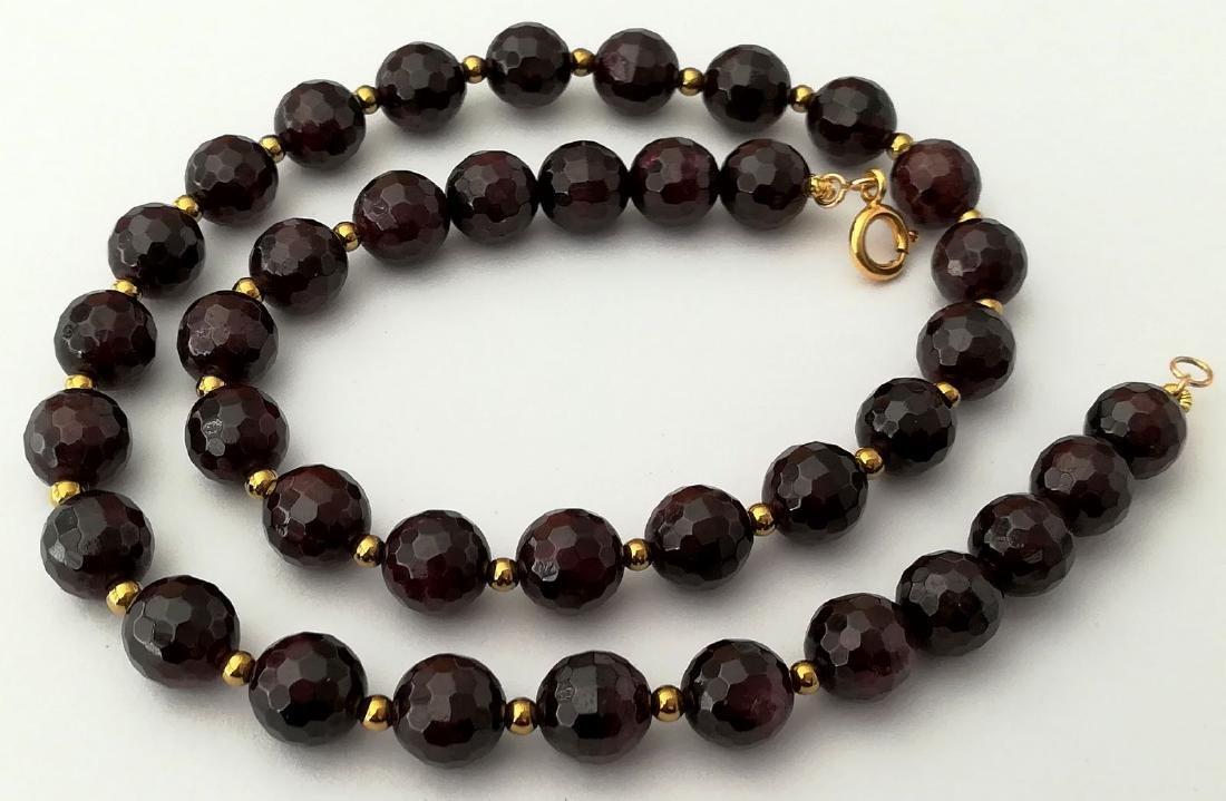 Faceted 9.5 mm garnet necklace – 19.2 kt gold clasp - 4