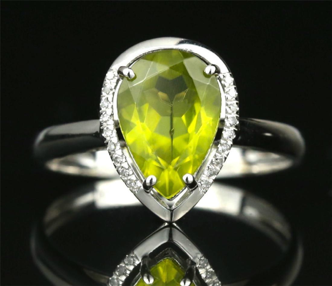Certified-Elegant 18K white gold Peridot ring