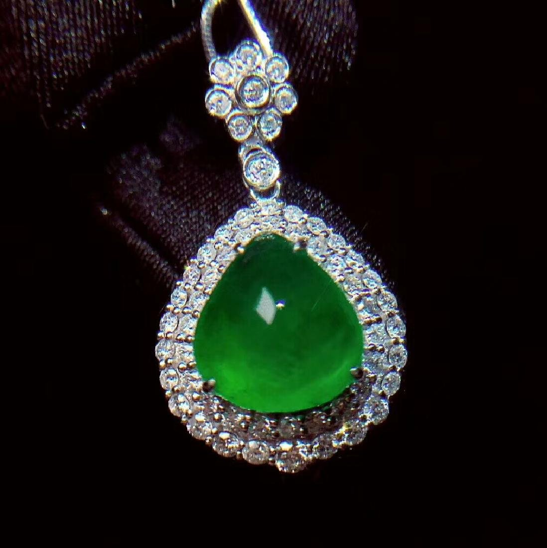 6.1ct Emerald Pendant in 18kt White Gold