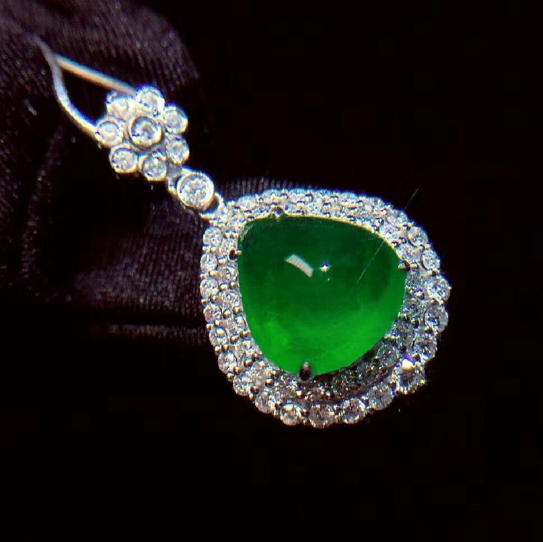 6.1ct Emerald Pendant in 18kt White Gold - 4