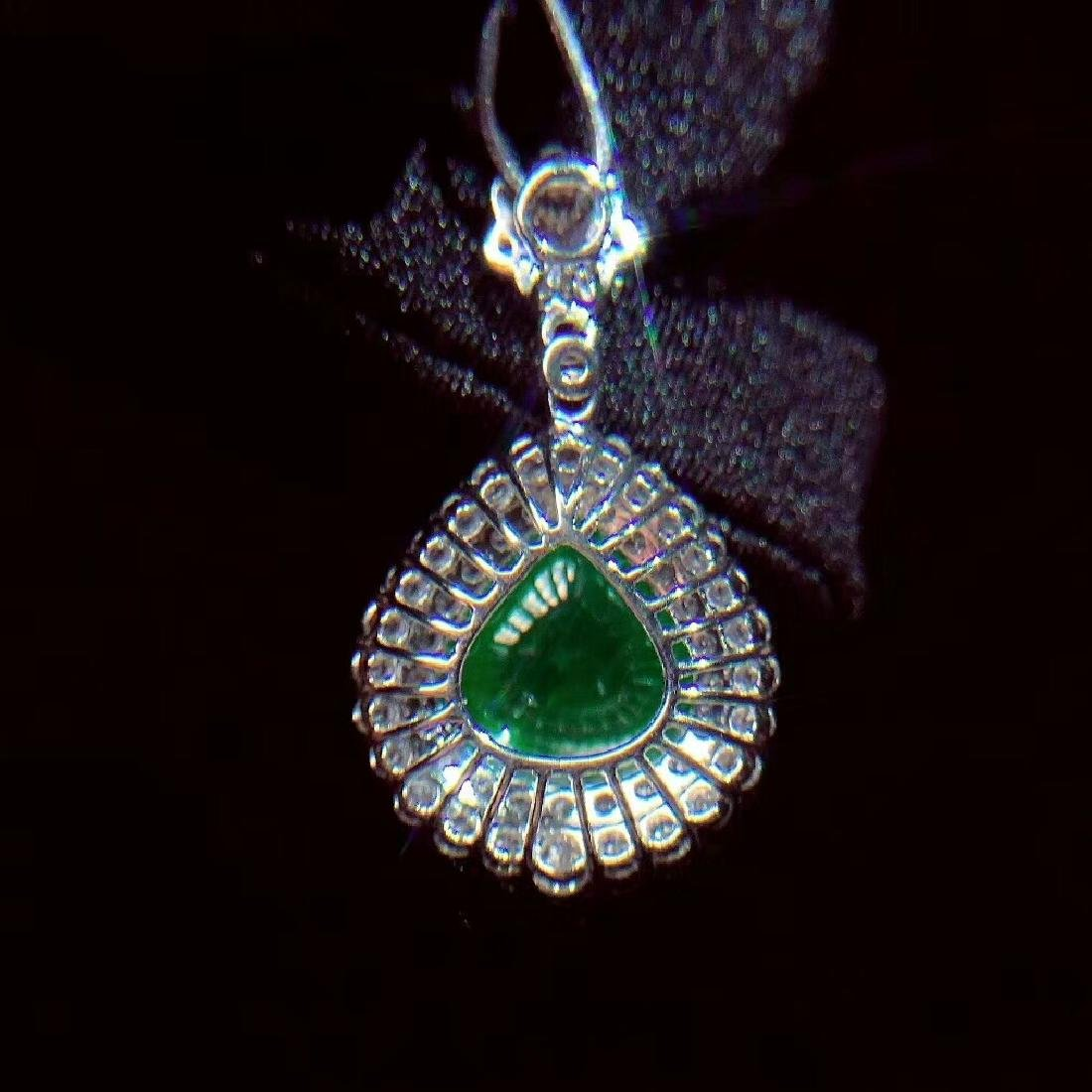 6.1ct Emerald Pendant in 18kt White Gold - 6