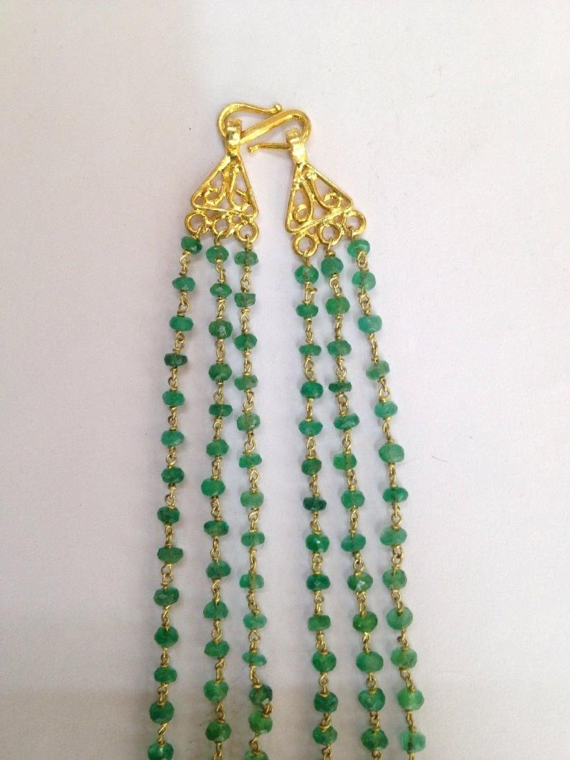 COLOMBIAN EMERALD THREE LINE 18 KT GOLD NECKLACES - 4