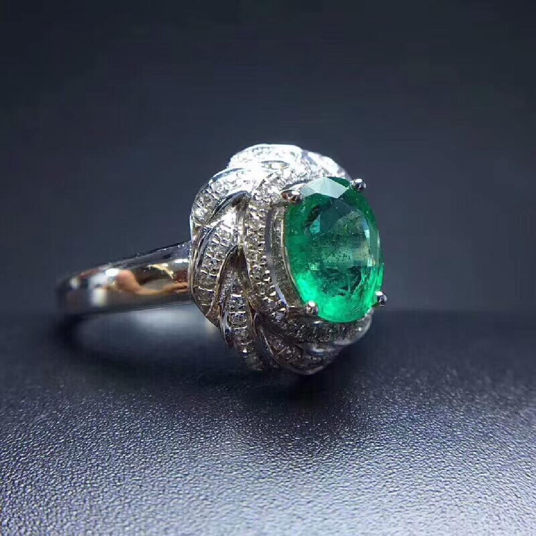 1.24 CTW Emerald & VS Diamond Ring 18K - 4