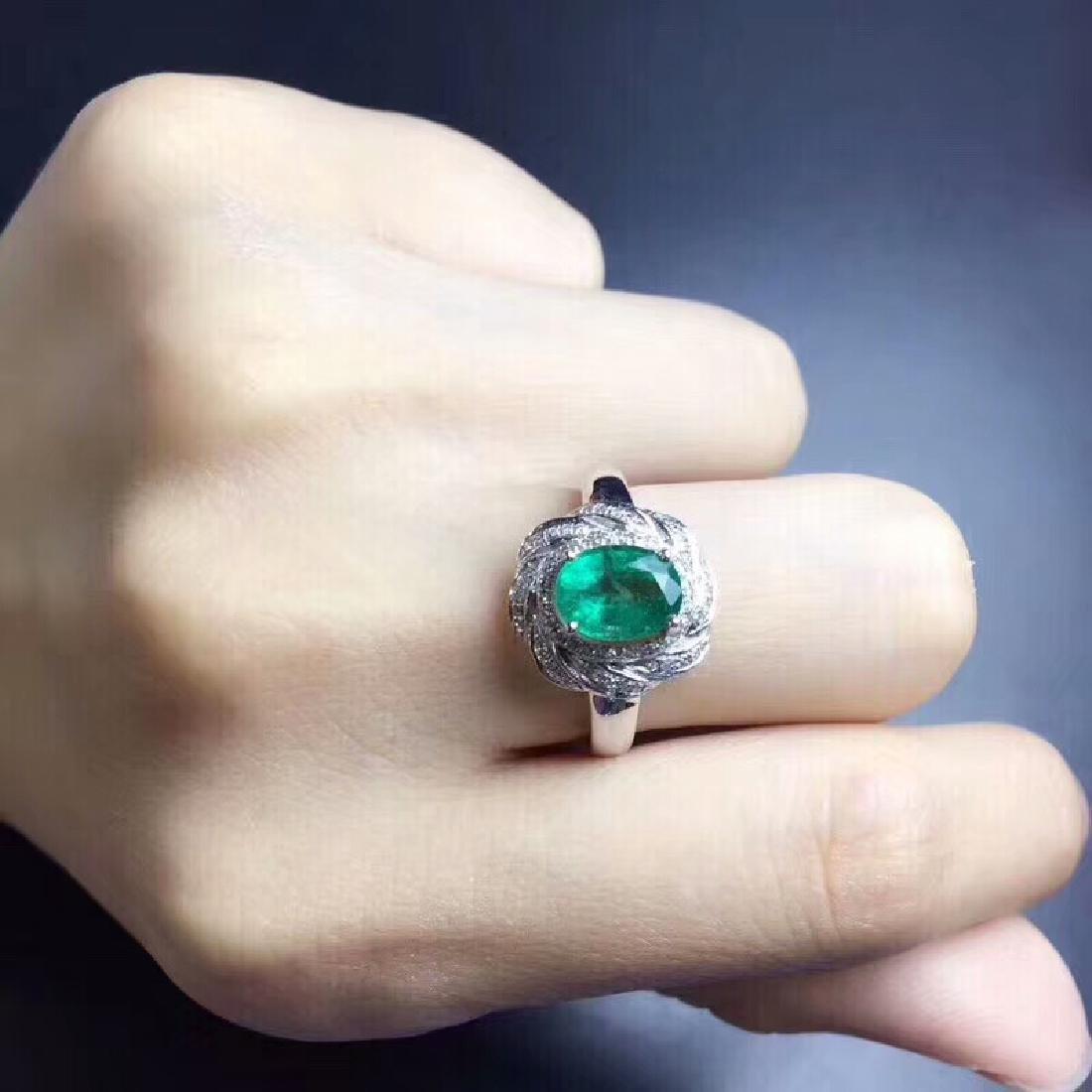 1.24 CTW Emerald & VS Diamond Ring 18K - 5