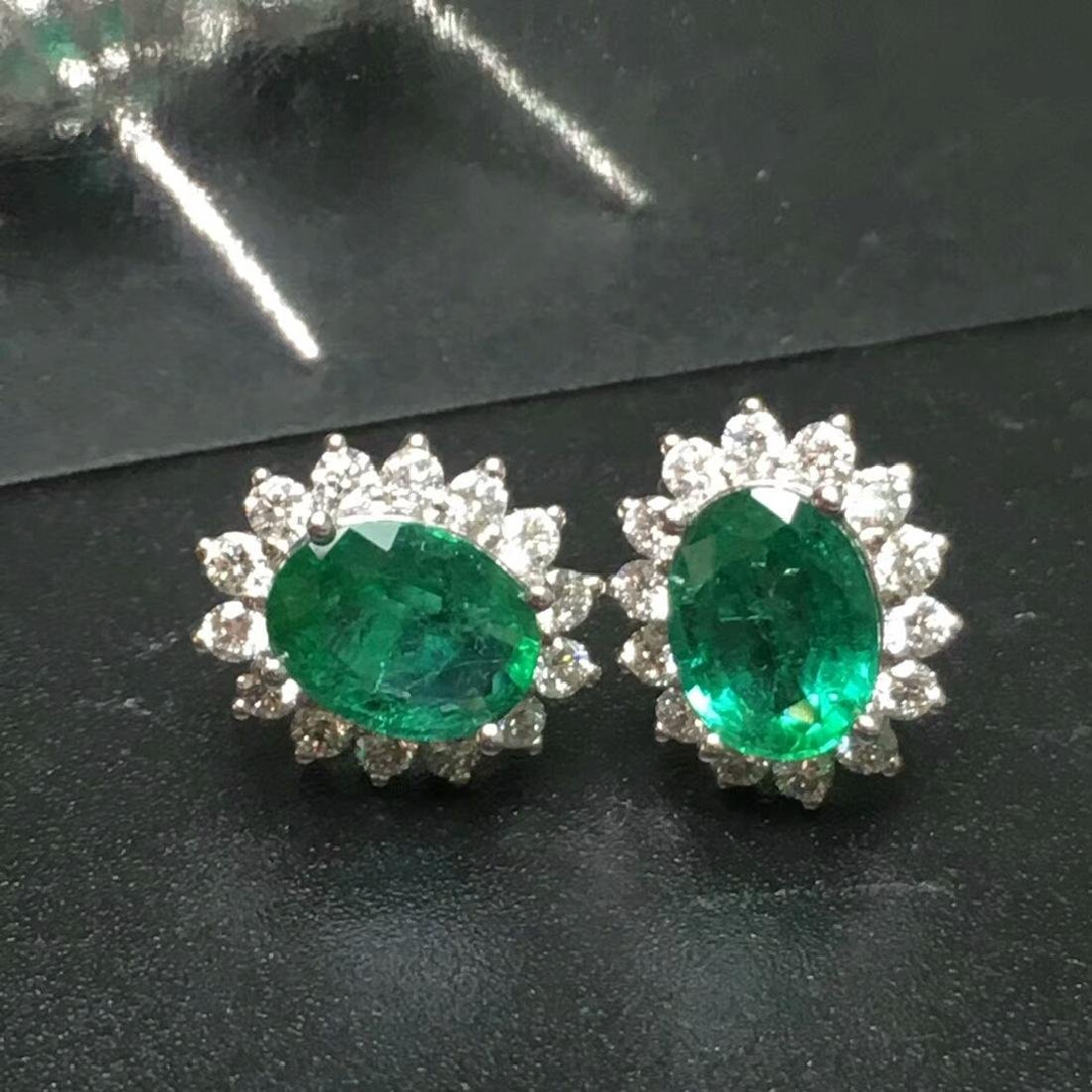 2.0 CTW Emerald & VS Diamond Earring 18K