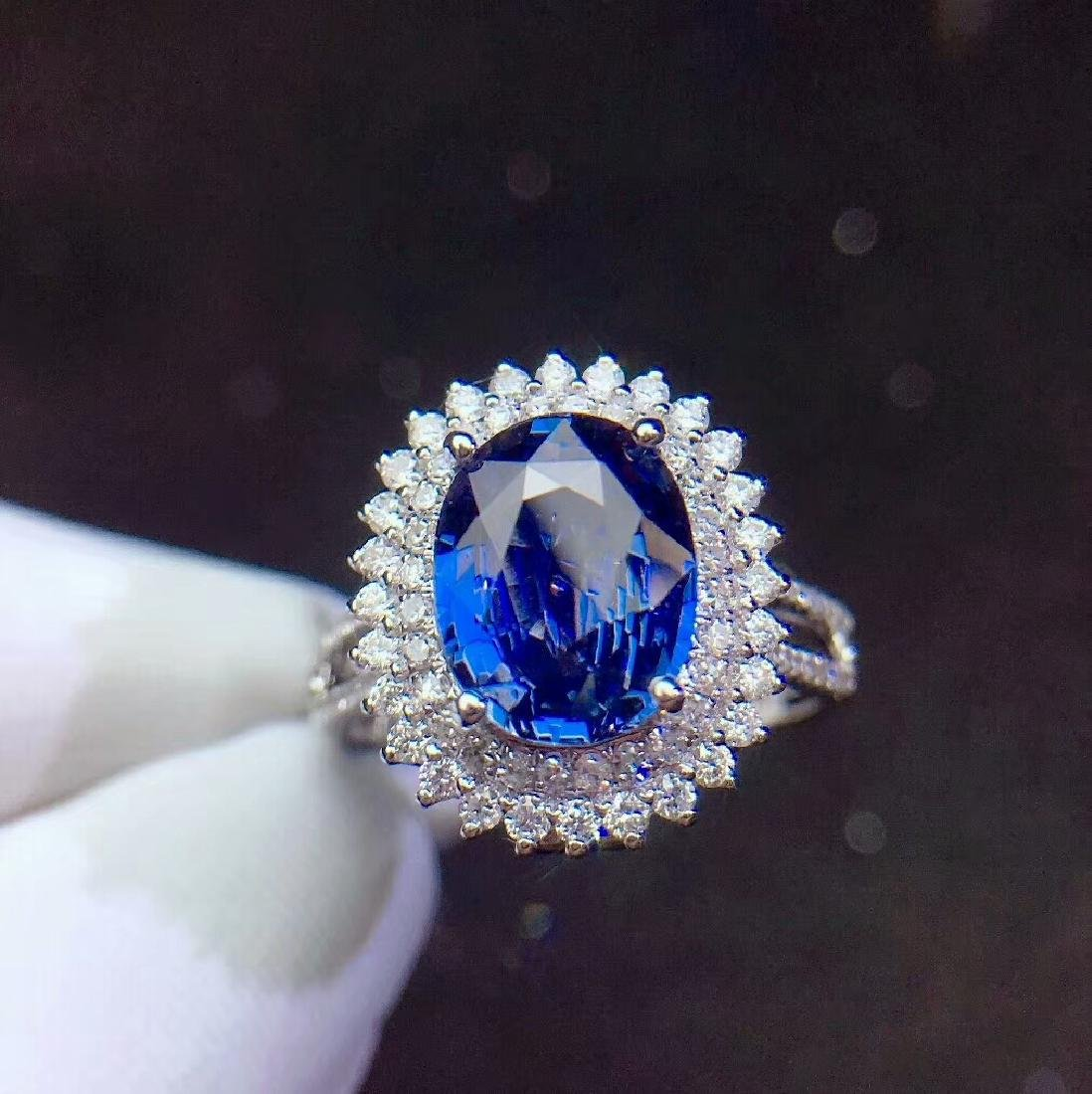 3.04ct Sapphire Ring in 18kt white Gold