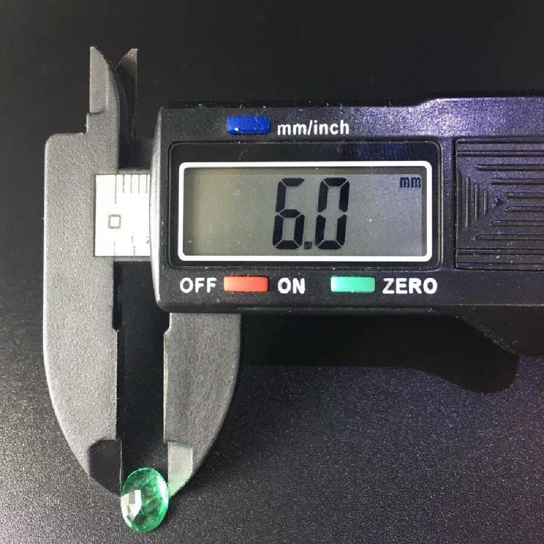 1.05 ct Emerald 6.0*7.8*3.2 mm Oval Cut - 5