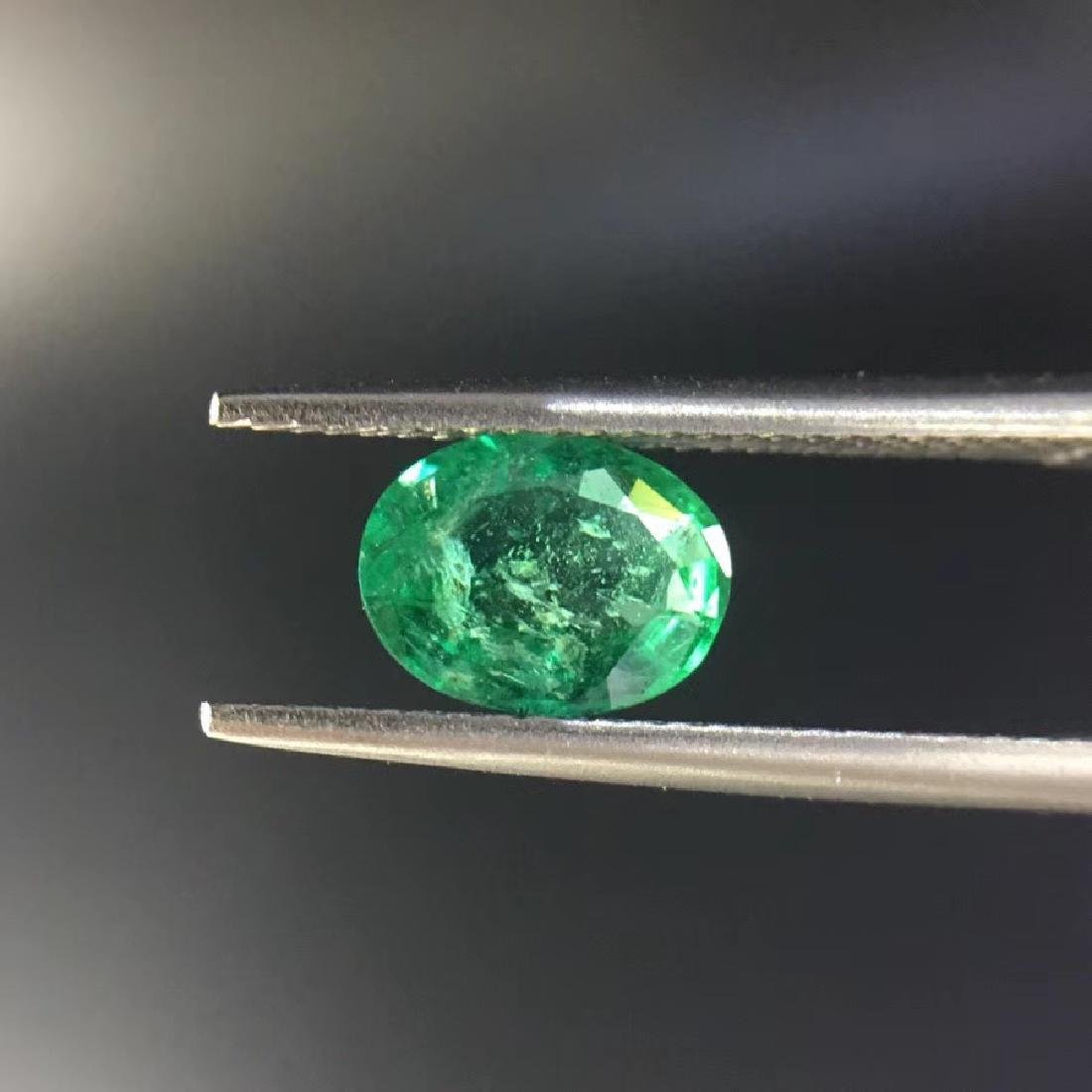 1.05 ct Emerald 6.0*7.8*3.2 mm Oval Cut