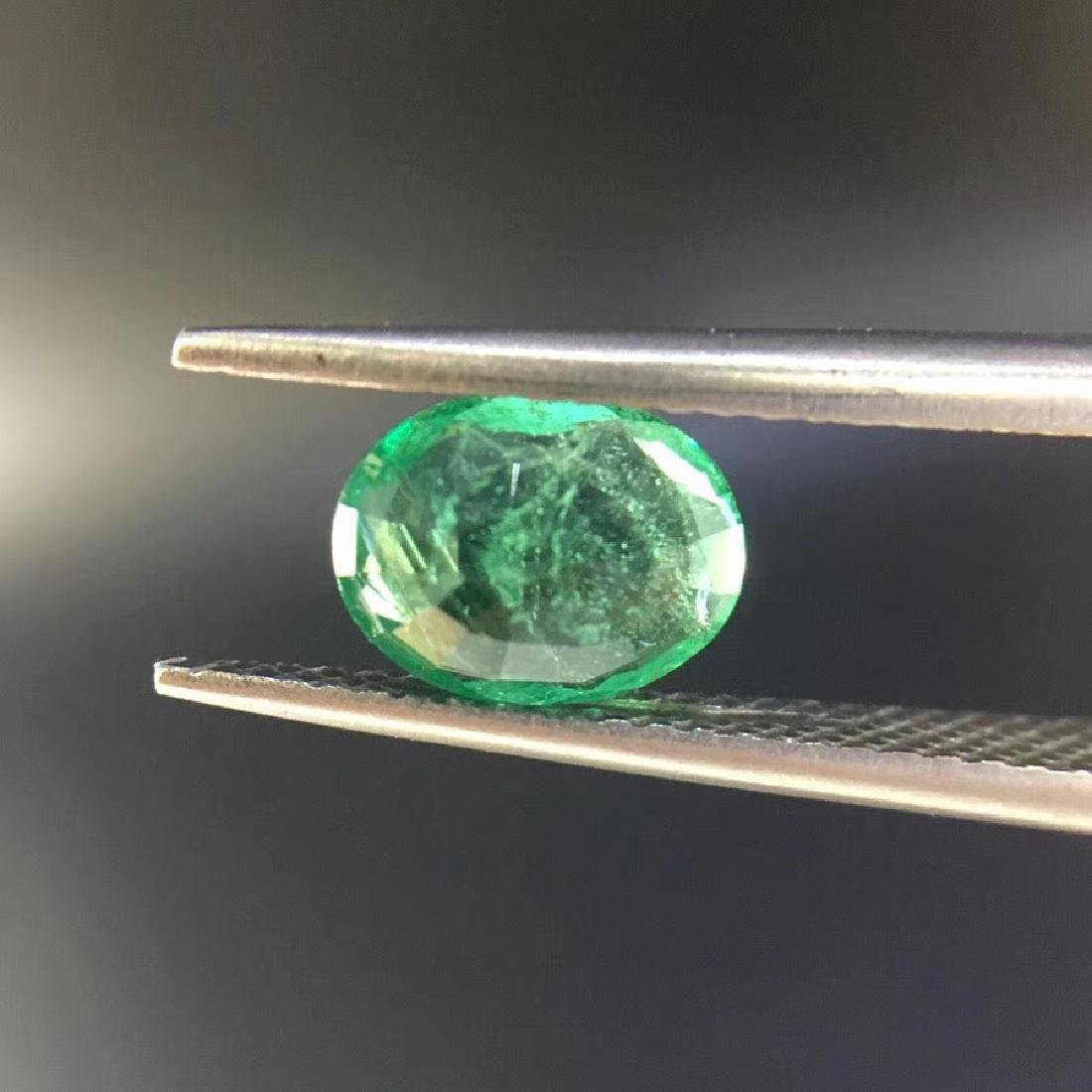 1.05 ct Emerald 6.0*7.8*3.2 mm Oval Cut - 4