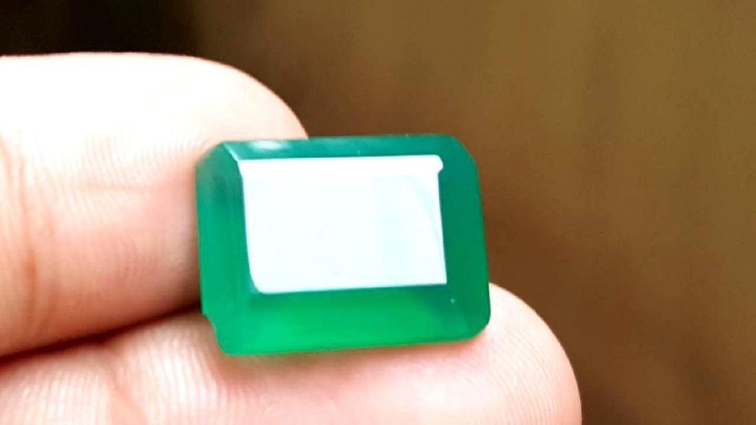 9 CARATS NATURAL GREEN CHALCEDONY - 2