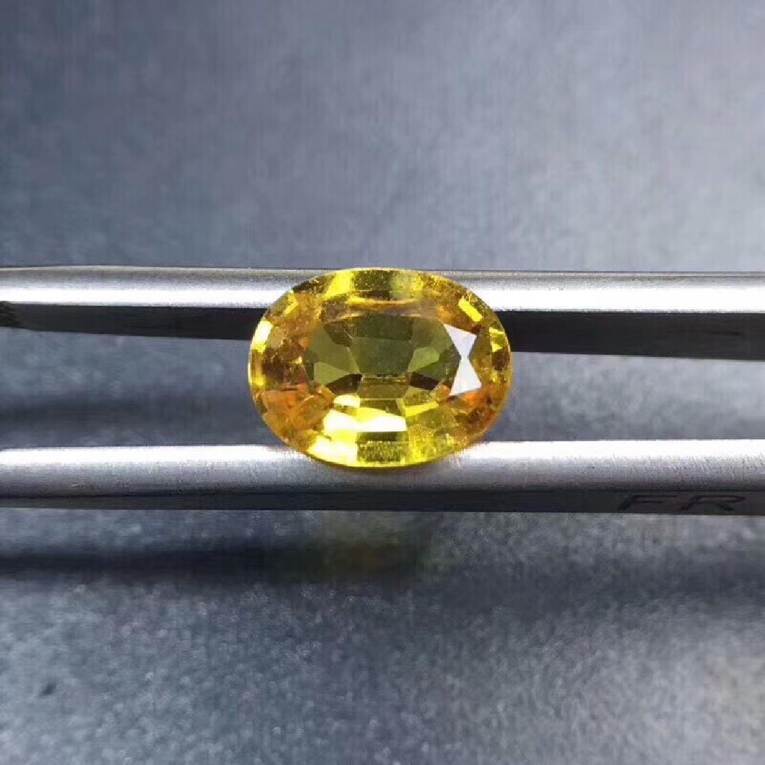 1.8 ct Yellow Sapphire 7.0*9.1 mm Oval Cut