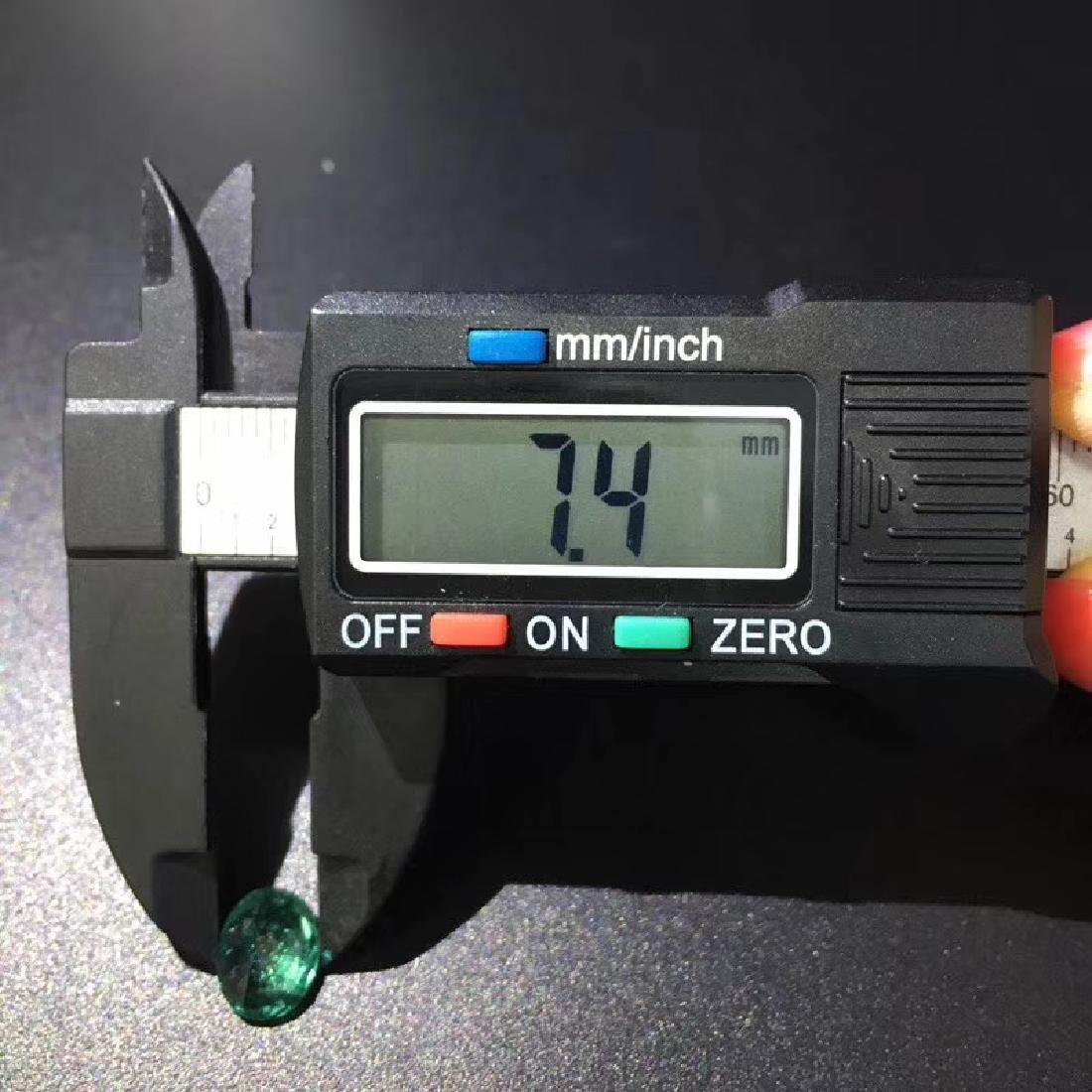 2.04 ct Emerald 7.4*9.4*4.7 mm Oval Cut - 5