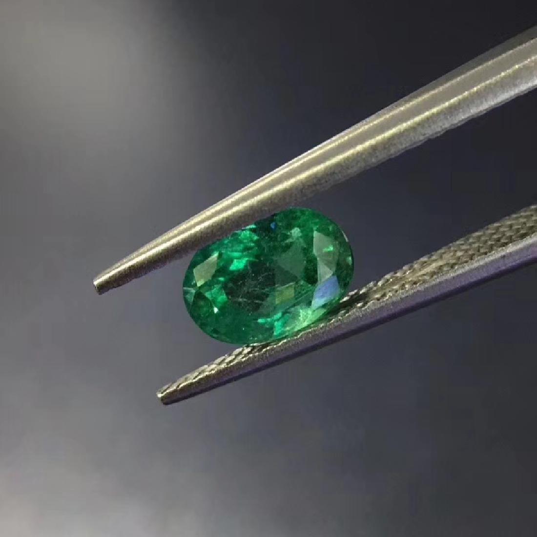 1.06 ct Emerald 5.0*6.9*4.2 mm Oval Cut - 3