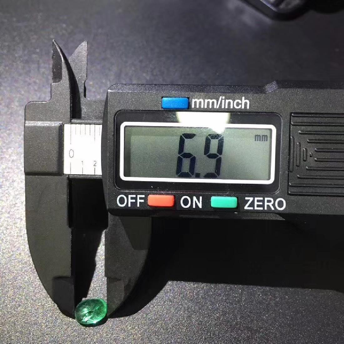 1.06 ct Emerald 5.0*6.9*4.2 mm Oval Cut - 6