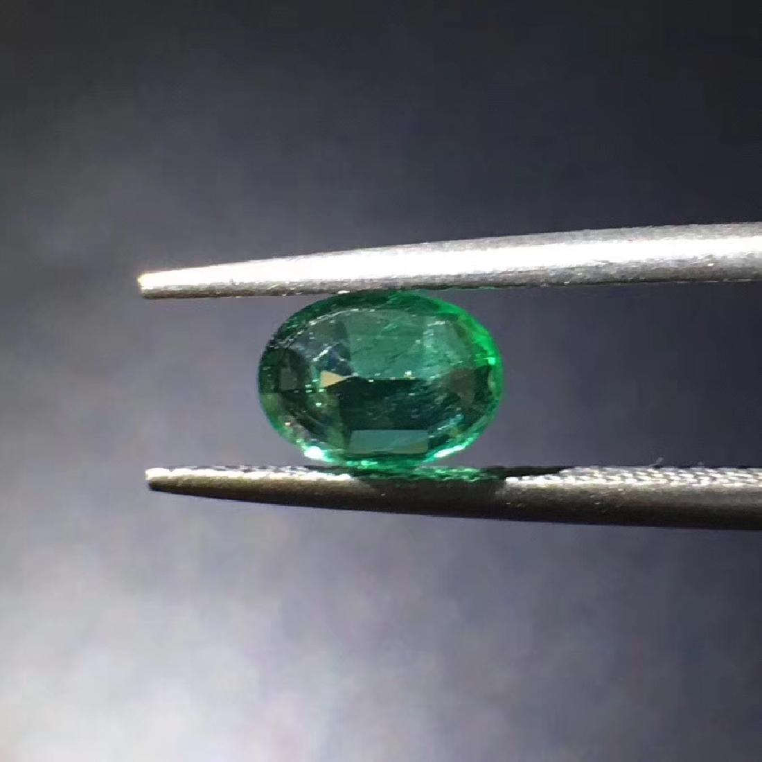 0.94 ct Emerald 5.0*6.9*3.7 mm Oval Cut - 3