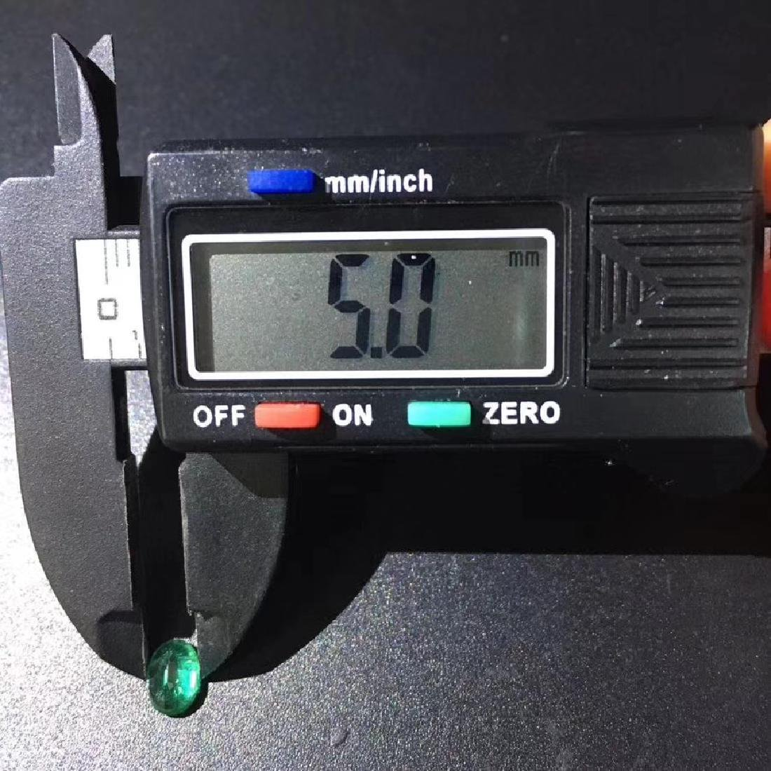 0.94 ct Emerald 5.0*6.9*3.7 mm Oval Cut - 5